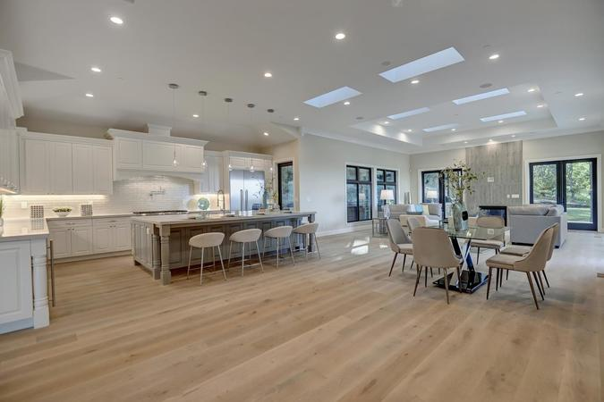 10880 magdalena rd los altos large 010 10 kitchen dining and family area 1500x1000 72dpi