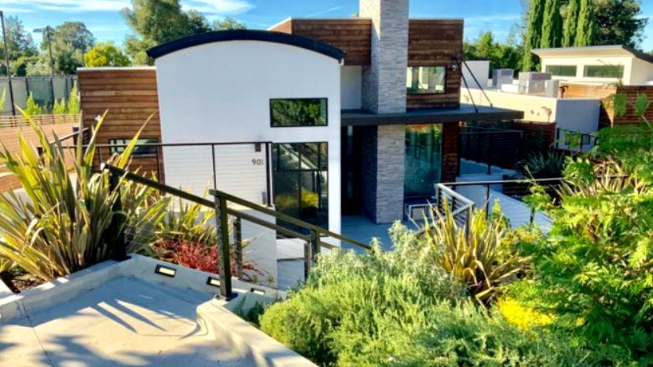 901 Loyola Dr, Los Altos, CA